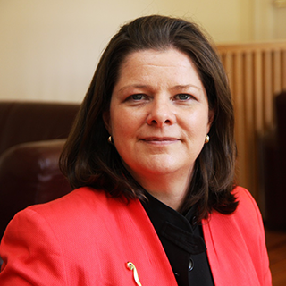 Dr Ruth Davis